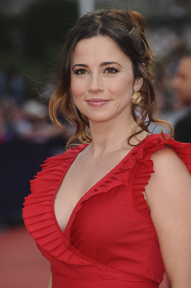 Linda Cardellini Plastic Surgery Before After
